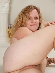 Moms blonde spreading naked